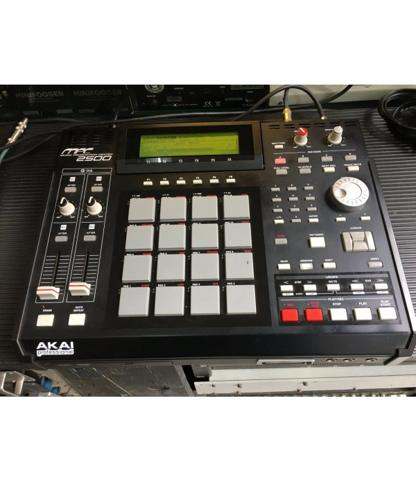 Akai MPC 2500 sampler (Used)